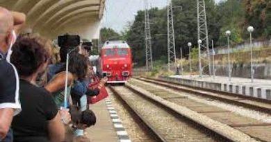 Факти.бг: Политическите спорове забавиха строежа на жп линията Скопие-София